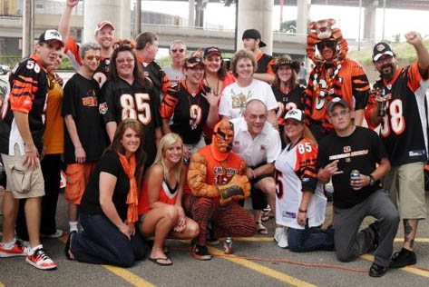 The full group from the 2009 Bengals vs. Rams Tailgate! 1st of the year!